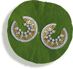 Tanishq Niloufer Collections - Latest Jewellery Designs for Women Emerald Jewelry, Diamond Jewelry, Girls Jewelry, Bridal Jewelry, Tanishq Jewellery, Gold Jewellery, Silver Jewelry, Jewellery Earrings, Gold Earrings
