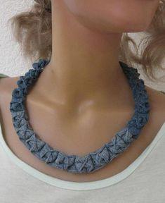 """Halskette aus Jeans Upcycling """"Froschmaul"""" von Gasani  auf DaWanda.com"""