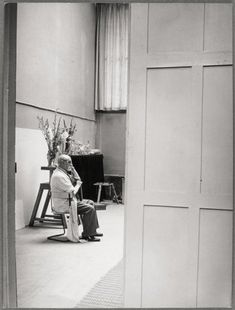 Henri Matisse in his studio c. 1939, by Brassaï © Estate Brassaï - RMN-Grand Palais