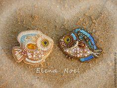 Влюбленные рыбки вышитые броши с коралловыми рыбками - Елена Ноэль (ElenNoel) - Ярмарка Мастеров