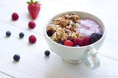 Madame Xícaras: Iogurte com Fruta e Granola Caseira
