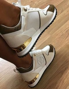 [New] The Best Fashion (with Pictures) This is the 10 best fashion today. According to fashion experts, the 10 all-time best fashion right now is. Cute Sneakers, Best Sneakers, Sneakers Fashion, Fashion Shoes, Shoes Sneakers, Women's Shoes, Hype Shoes, Shoe Boots, Louis Vuitton Trainers