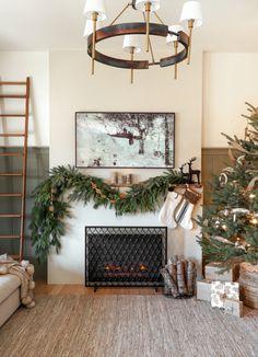 Christmas Mantels, Christmas Home, Christmas Holidays, Christmas Decorations, Christmas Ideas, Winter Holiday, Holiday Decorating, Holiday Ideas, Vintage Christmas