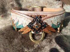 Phoenix Flügel Hand Tooled Leder Hundehalsband w/Conchos