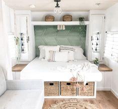Caravan Decor, Camper Caravan, Camper Trailers, Rv Interior Remodel, Camper Renovation, Rv Living, Tiny House Living, Living Spaces, Rv Homes