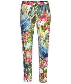 Floral pants make us happy! #luisacerano #fashion #spring #engelhorn