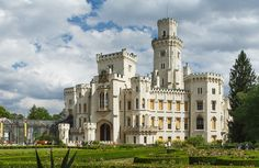 Hluboka Castle Beautiful Castles, Most Beautiful, Going On A Trip, Travel Information, Czech Republic, Cool Places To Visit, Notre Dame, The Good Place, To Go