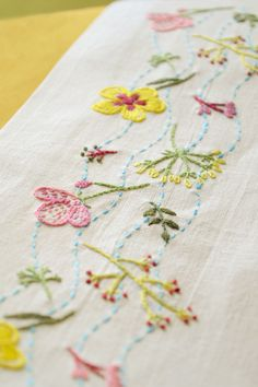 flowers embroidery, hand embroidery pattern, #naiveneedle