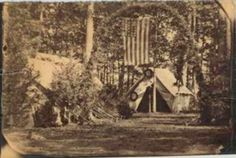 There are a few of this perspective. had not bumped into this one from NYPL before, flag in place but no workers in front of the tent. American Civil War, American History, Gettysburg, Us History, Hospitals, Nurses, Abraham Lincoln, Soldiers, Perspective