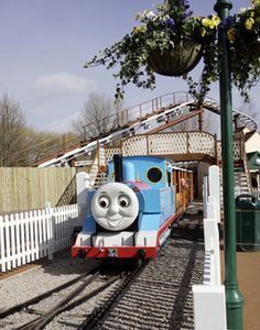 Thomas Land at Drayton Manor, UK - Might have picked this because my son is a fan but I am also a Thomas fan too! Family Days Out Uk, Days Out With Kids, Fun Days Out, Days Of The Year, Birthday Weekend, Special Birthday, Drayton Manor Park, Family Holiday Destinations, Summer Fun