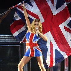 """THE RETURN OF THE SPICE GIRLS WORLD TOUR December 2007 / March 2008 #spicegirls #SPICE #geri #melb #emma #victoria #melaniec #gerihalliwell #halliwell…"" Spice Girls Outfits, Melanie C, Emma Bunton, Geri Halliwell, Girls World, Spice Things Up, Cheer Skirts, December, Spices"
