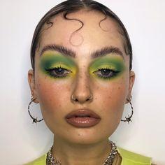 beauty makeup looks Edgy Makeup, Cute Makeup, Makeup Goals, Pretty Makeup, Skin Makeup, Makeup Inspo, Makeup Art, Makeup Inspiration, Eyeshadow Makeup