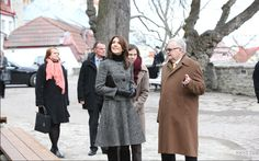 Princess Mary arrived in the early afternoon in Tallinn for a two-day visit with Princess Mary Foundation. Program: visit a kindergarten, inauguration of an exhibition celebrating the relationship between Denmark and Estonia, meeting with the mayor of Tallinn and meeting with the presidential couple.
