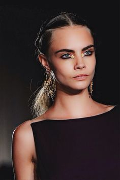 Cara Delevingne // touch of gold