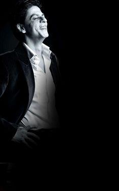 Shahrukh Khan so Kajol Dilwale, Shahrukh Khan Family, Shahrukh Khan And Kajol, Shah Rukh Khan Movies, Salman Khan, Happy New Year Movie, Chak De India, Richest Actors, Ek Villain