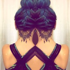 See double undercut tattoo sunflower mandala blue hair braided . - See double undercut tattoo sunflower mandala blue hair braided bun … - Neck Tattoos Women, Girl Neck Tattoos, Back Of Neck Tattoo, Body Art Tattoos, Et Tattoo, Tattoo Hals, Cover Tattoo, Undercut Tattoos, Hairline Tattoos