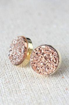 Rose Gold Earrings Bridesmaids Earrings Druzy by DavieandChiyo Cute Jewelry, Gold Jewelry, Jewelry Accessories, Fashion Accessories, Fashion Jewelry, Jewlery, Druzy Jewelry, Turquoise Jewelry, Gold Fashion