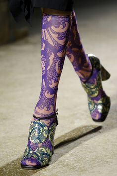 See all the Details photos from Dries Van Noten Spring/Summer 2016 Ready-To-Wear now on British Vogue Sock Shoes, Cute Shoes, Dries Van Noten Shoes, Creative Shoes, Vogue, Shoes 2016, Shoe Art, Sexy Boots, Fashion Week