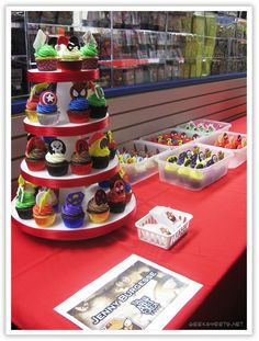 Super Hero Cupcake Party