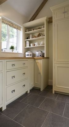 Chichester Open Top Dresser looks great in a kitchen Neptune Kitchen, Kitchen Gallery, Craftsman Bungalows, Kitchen Cabinetry, Shabby Chic Style, Interior Design Inspiration, Interior And Exterior, Warm Whites, Kitchens