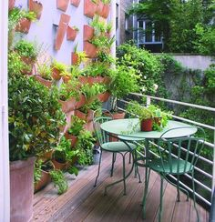 Small balcony designs can look comfortable, cozy and stylish