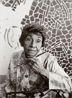 Alma Thomas, abstract expressionist painter and art educator African American Artist, African American History, American Artists, African Art, Robert Motherwell, Willem De Kooning, Artist Art, Artist At Work, Alma Thomas