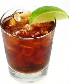 Una original y sencilla receta de un combinado con base de Jack Daniel Tennessee Whisky, Grand Marnier licor de naranja y Coca-Cola, con un toque criollo de la coctelería Cajun de Louisiana. El toque se sal se utiliza para imitar la sal en el Gatorade real.