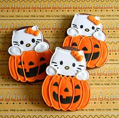 Hello Kitty + Halloween = Adorable!