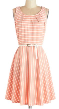 Striped coral dress http://rstyle.me/n/fpejrnyg6