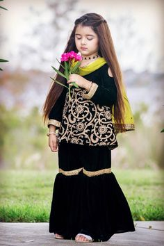 New Pictures of Cutest and Youngest Pakistani/American 4 years Old Model Miah Dhanani Stylish Dresses For Girls, Cute Girl Dresses, Stylish Kids, Korean Girl Fashion, Cute Kids Fashion, Cute Baby Girl Images, Pakistani Fashion Party Wear, Kids Dress Wear, Kids Ethnic Wear