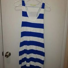 Gianni bini large dress I love these colors. Very gently used. fun. Simple dress. No pockets.  Pull over. Lined.  Armpit to armpit 17  Length 36 Gianni Bini Dresses