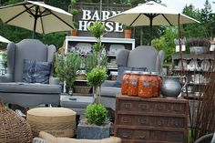 Barn House is one of the best stores that I've never visited. I want them to make over my bedroom.