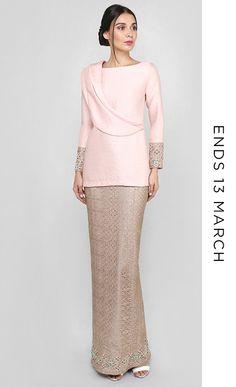 Sarina TTA x JM Street Hijab Fashion, Abaya Fashion, Muslim Fashion, Fashion Dresses, Vogue Dress Patterns, Kebaya Dress, Batik Fashion, Muslim Dress, Modest Wear