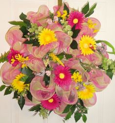 Gerber Daisy and Mesh Wreath in Pinks and by MarysBluebirdWreaths, $59.95
