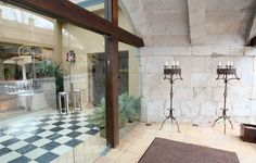 Entrada Palacio de la Misión #bodas Living Room, Outdoor Decor, Home Decor, Palaces, Entryway, Space, Weddings, Places, Homemade Home Decor