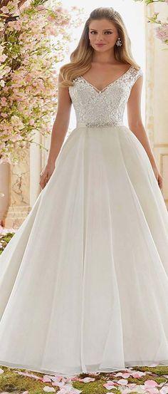 Graceful Tulle V-neck Neckline A-line Wedding Dress
