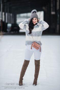 Outfit mit weißer Jeans von Mango und gestreiftem Pullover, graue Overknees von Reno | https://juliesdresscode.de | #ootd #outfit #fashionblogger #fashionblogger_de