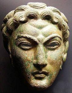 https://www.facebook.com/romano.impero/photos/ms.c.eJxFkEEOxDAIA3~_0AgIE~