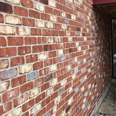 PGH Tribeca bricks used in a reno by Azcon Homes. Love this recycled brick look. Exterior Paint Colors, Exterior House Colors, Exterior Design, House Siding, Facade House, House Facades, Acerage Homes, Brick House Colors, Home Design 2017