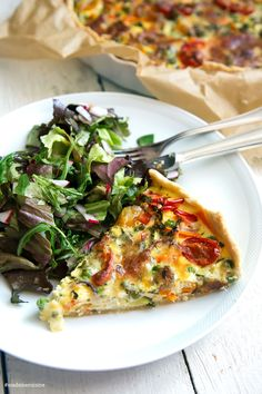 Gemüse-Quiche: Eine Ode an den Sommer – Madame Cuisine – Food Vegetable Recipes, Vegetarian Recipes, Healthy Recipes, Snacks Recipes, Grilling Recipes, Vegetable Quiche, Menu Dieta, Clean Eating Recipes, Eating Clean