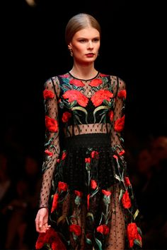 Two centuries of Spanish rule in Sicily have inspired the latest collection of Dolce & Gabbana which, since 1985, enhance...