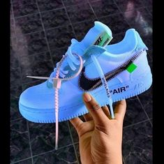 best sneakers / basket homme / basket femme / fashion / streetwear / nike / offwhite Trendy outfit adidas workout sneakers Running Jordan Shoes Girls, Girls Shoes, Shoes Women, Nike Shoes Air Force, Nike Air Max, Air Force Sneakers, Hype Shoes, Women's Shoes, Shoes Style