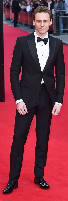 My gentleman!. Tom Hiddleston attends the Laurence Olivier Awards at the Royal Opera House on April 13, 2014 in London, England. Source: Torrilla. Enlarge photo: http://imgbox.com/0f8Qbo6J