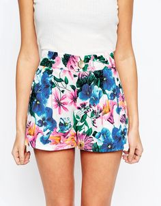 Traffic People Love Climate Dorris Shorts In Floral Print