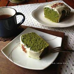 抹茶&ホワイトチョコパウンドケーキ Sweets Recipes, Desserts, Cafe Food, Pound Cake, Cake Cookies, Matcha, Avocado Toast, Tea Time, Pudding