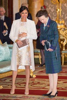 In a new interview with Vanity Fair, Princess Anne spoke about how the younger generations - including Meghan Markle, Prince Harry and Kate Middleton - are approaching the roles in the Royal Family Prince Harry Et Meghan, Meghan Markle Prince Harry, Princess Meghan, Prince And Princess, Royal Princess, Meghan Markle Outfits, Meghan Markle Style, Prince Charles, Camilla