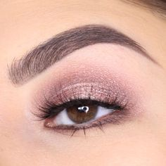 As requested here is a new look using the @urbandecaycosmetics Naked 3 Brows: @anastasiabeverlyhills Brushes: @sigmabeauty Lashes: @luxylash #Bae 1⃣ Blend Limit into the upper crease then Nooner slightly below 2⃣ Run @eyeko Topaz Shadow Stick all over the lid 3⃣ Pat Buzz on to the inner and outer corner then Burnout to the center 4⃣ Deepen the crease again with Nooner 5⃣ Add Factory to the inner and outer corner