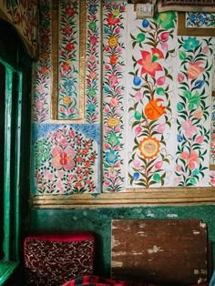 bohemianhomes: Bohemian Homes: Hand Painted Indian Botanical. (Bohemian Homes) Textures Patterns, Color Patterns, Print Patterns, Floral Patterns, Modern Patterns, Indian Patterns, Colour Schemes, Bohemian House, Of Wallpaper