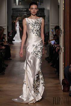 Tony Ward - Couture - Spring-summer 2014 - http://en.flip-zone.com:8080/fashion/couture-1/independant-designers/tony-ward-4448 - ©PixelFormula