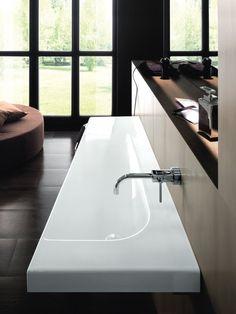 GRANDANGOLO - Production of designer sanitary appliances in ceramic, bathroom furnishings and accessories - Hatria Srl